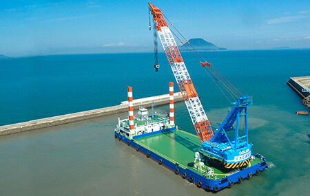 Cranes for lifting heavy loads